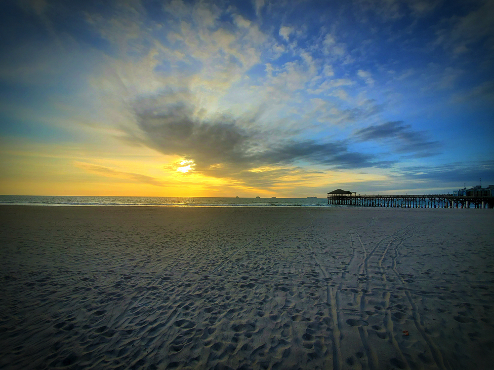 Picture of the pier in Cocoa Beach @sandyrootsphotography